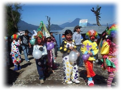 school children participate in fiesta in san antonio palopo